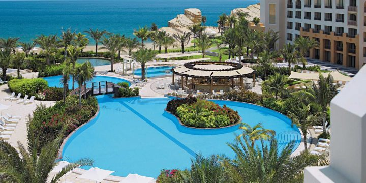 Muscat Beach Hotel – Bring You Into an Exciting World