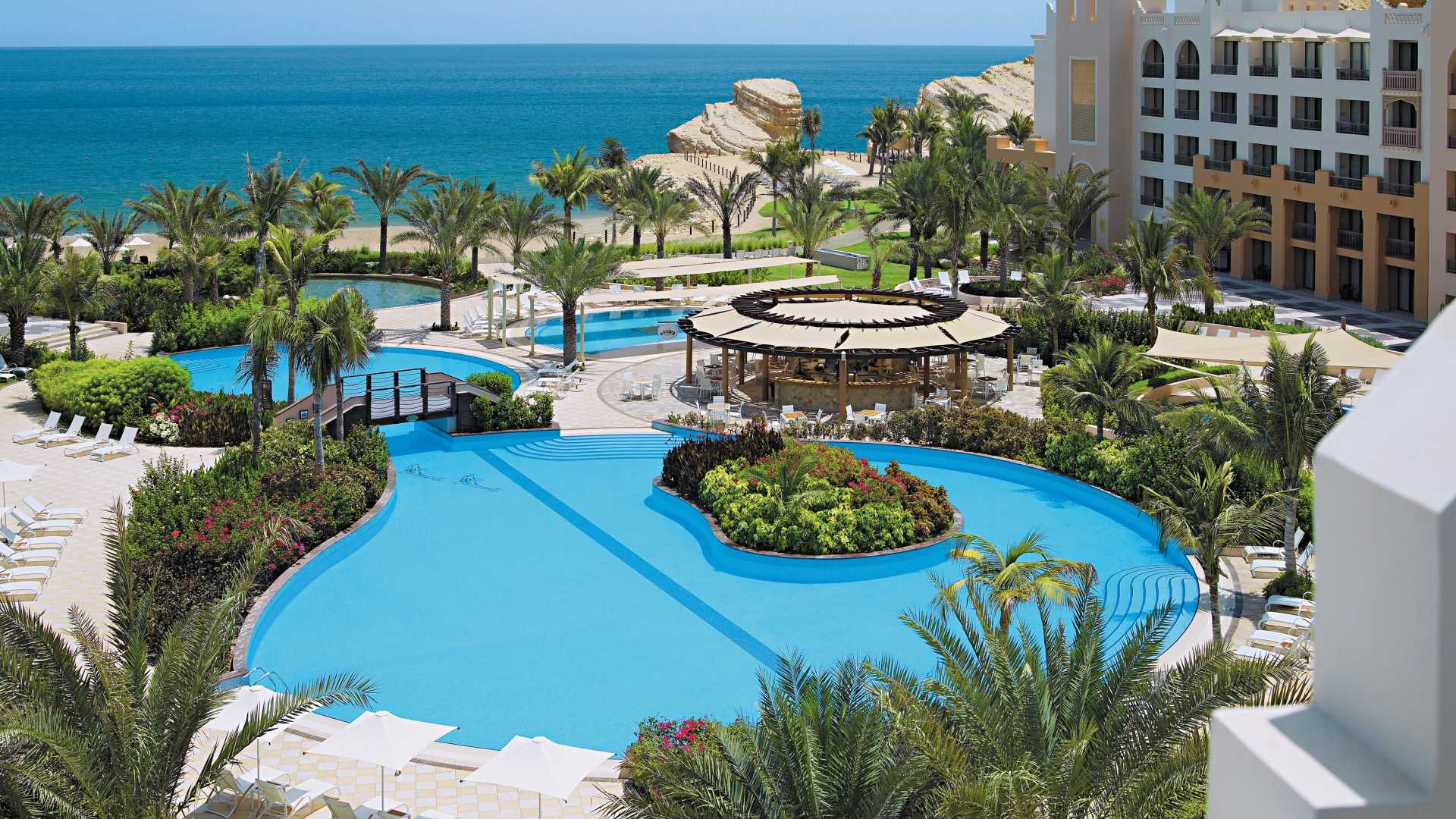 muscat beach resorts